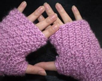 Berry Stitch Hand Warmers Crochet Pattern