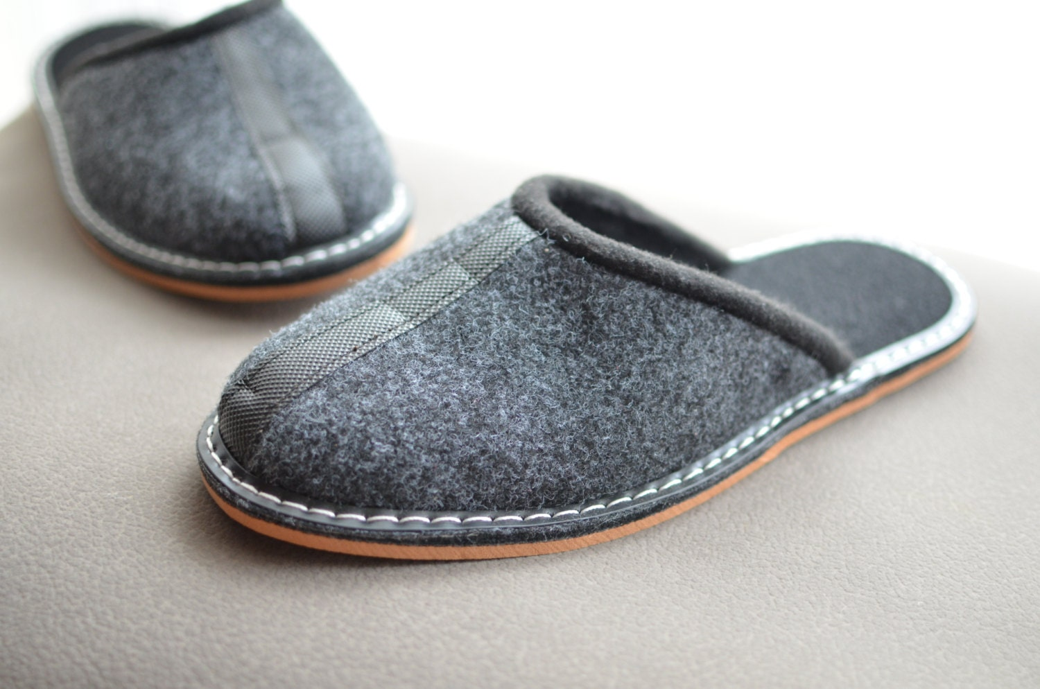 chaussons pantoufles homme chaussures homme chaussures. Black Bedroom Furniture Sets. Home Design Ideas