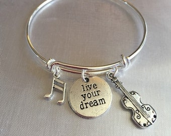 """Violin-bracelet with music note violin and stamped """"live your dream"""""""