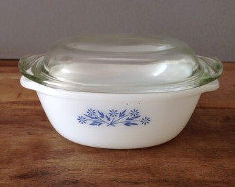 Vintage Dynaware Pyr-O-Rey Casserole / Oven Dish With Glass Lid Blue Floral Design