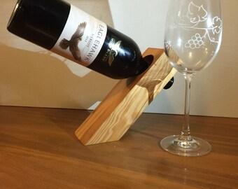 Cantilever bottle holder