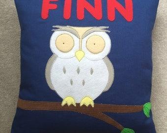 "Owl cushion (14x14"")"