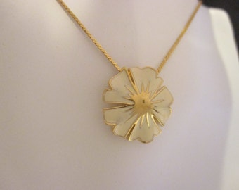 Signed MONET Creme Flower With Gold-tone Accents Necklace. Item:N818490