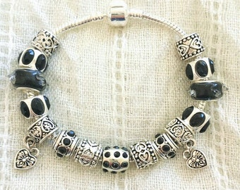 Antique Tibetan Silver Plated Black Rhinestone Glass Hearts Charms Beads Bracelet 7.5 Inches
