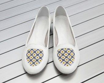 Ballet flats with embroidery - Women's Handmade Leather Shoes