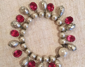 1950s vintage pearl and coloured glass bracelet