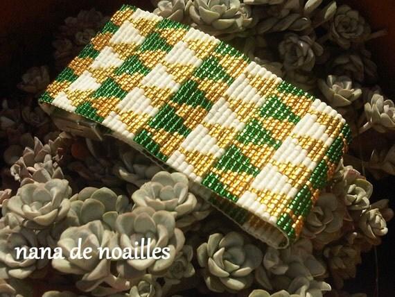 Bracelet Manchette  Perles de rocailles Miyuki Tissées / collection BABYLONE BB/Modèle Blanc/doré/vert