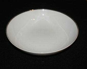Harmony House, Simone, 9 inch round serving bowl