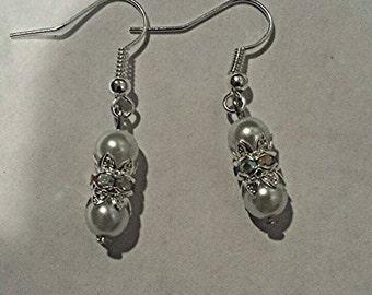 Pear earrings, silver pearl earrings, white pearl dangling earrings, dangle earrings, silver earrings, white pearls