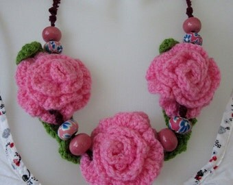 Crochet Roses Necklace, Porcelain beads Necklace, Pink Summer Necklace, Bib Necklace With Roses, Gift for Women, Ready to ship