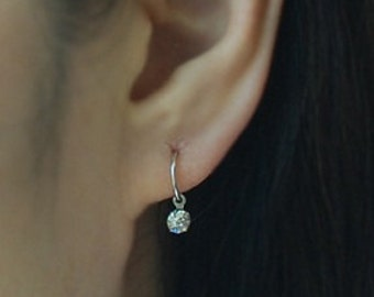Cartilage hoop earring with crystal channel, piercing earring, Tragus earring,Tiny Cartilage Ring