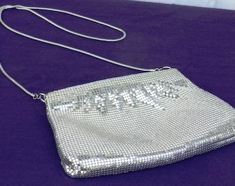 Vintage Silver Metal Mesh Purse Made in Hong Kong                00249