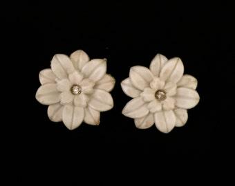 40's White Flower Earrings                                                                                 VG1295