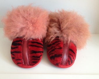 Women's slippers, handmade leather slippers, red slippers, lamb fur