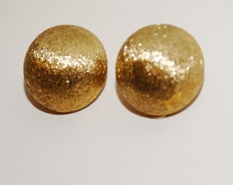 """Bergere Vintage Gold Tone Clip on Earrings size 0.90"""""""