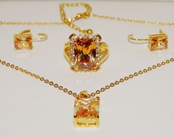 "Free Shipping Vintage Gold tone Swarovski Crystal 16"" Long w/2"" ext. Necklace Set."