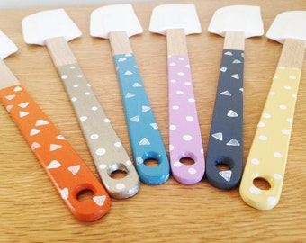 Hand Painted Spatula with Wooden Handle and Rubber Head. Polka Dot or Triangles Patterning. Baking - Foodie Gift - Cooking Utensils