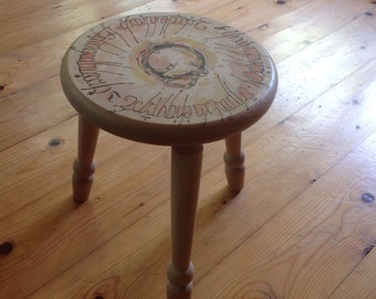 "Beautiful stool with Pyrography design ""Lord of the Rings"""
