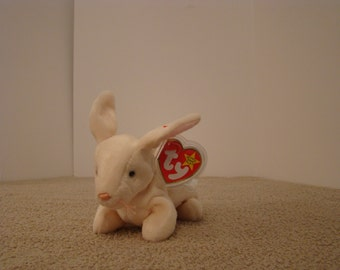 Ty Beanie Baby NIBBLER the Cream Color Rabbit