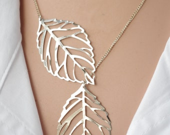 Leaf lariat necklace  Silver lariat necklace Twin leaf jewelry Double leaf lariat necklace  Modern Necklace Short Necklace  Leaf Jewelry