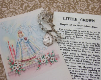 Vintage INFANT JESUS of PRAGUE glass Chaplet Rosary with Holy Card Explination Leaflet