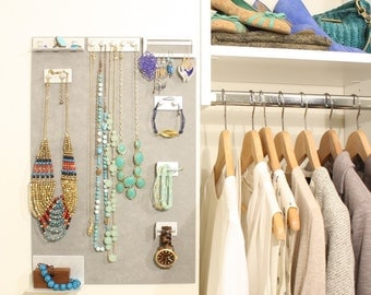 Hanging jewelry organizer - minimalist look and fully customizable