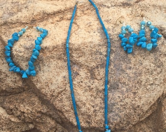 Turquoise necklace with matching bracelet & earrings