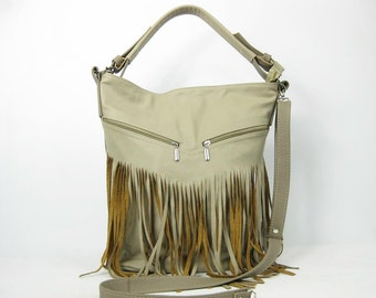 Bucket bag. Crossbody leather bag. Leather fringe bag. Handmade. Handbag. Beige.