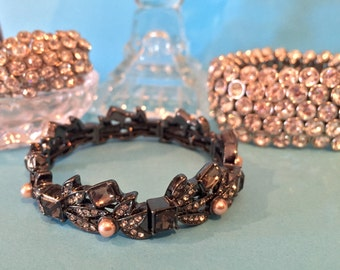 Multi stone stretch bracelet, perfect for layering