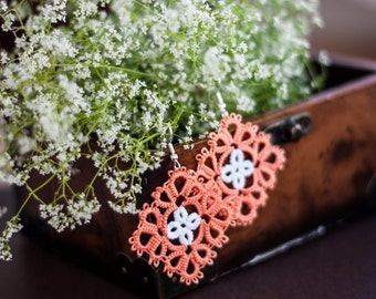 Lace earrings, multicolor (coral/white) earrings, tatting earrings, handmade earrings, handmade jewelry, multicolor jewelry, tatted