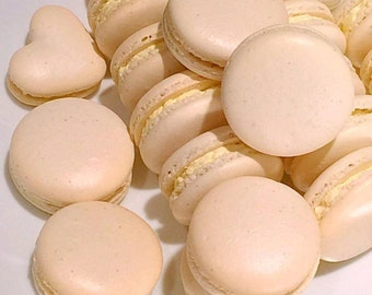 Classic Vanilla Macaron with Vanilla Bean Buttercream (8 pieces)