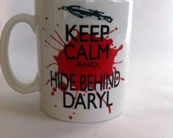 Keep calm and hide behind Daryl the walking dead mug 090
