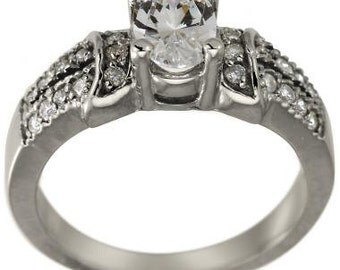 1 Carat Oval Diamond Engagement Ring in Split Shank Diamond Solitaire Ring