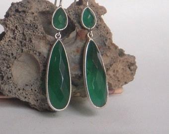 A Sterling Silver (92.5%) Dangle Earring / Green Onyx Dangle Earring / Hand made Dangle Earring / One Pair.