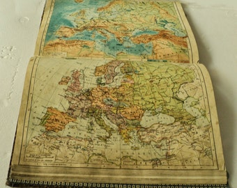 Antique Geographic Atlas Modern with maps and text in Italian