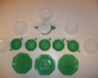 15 Piece Akro Agate Jadeite Children's Tea Set 1930's Green and White Glass.