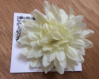 IVORY Beautiful and Fun Silky Floral Mum Flower Hairclip... Wedding... Bridal... Bridesmaids... VLV... Anytime Hair Clip