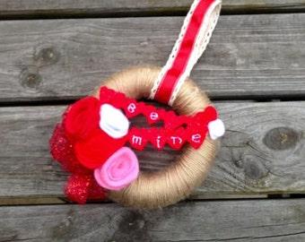 Cutesy Miniature 'Be Mine' Valentine Wreath