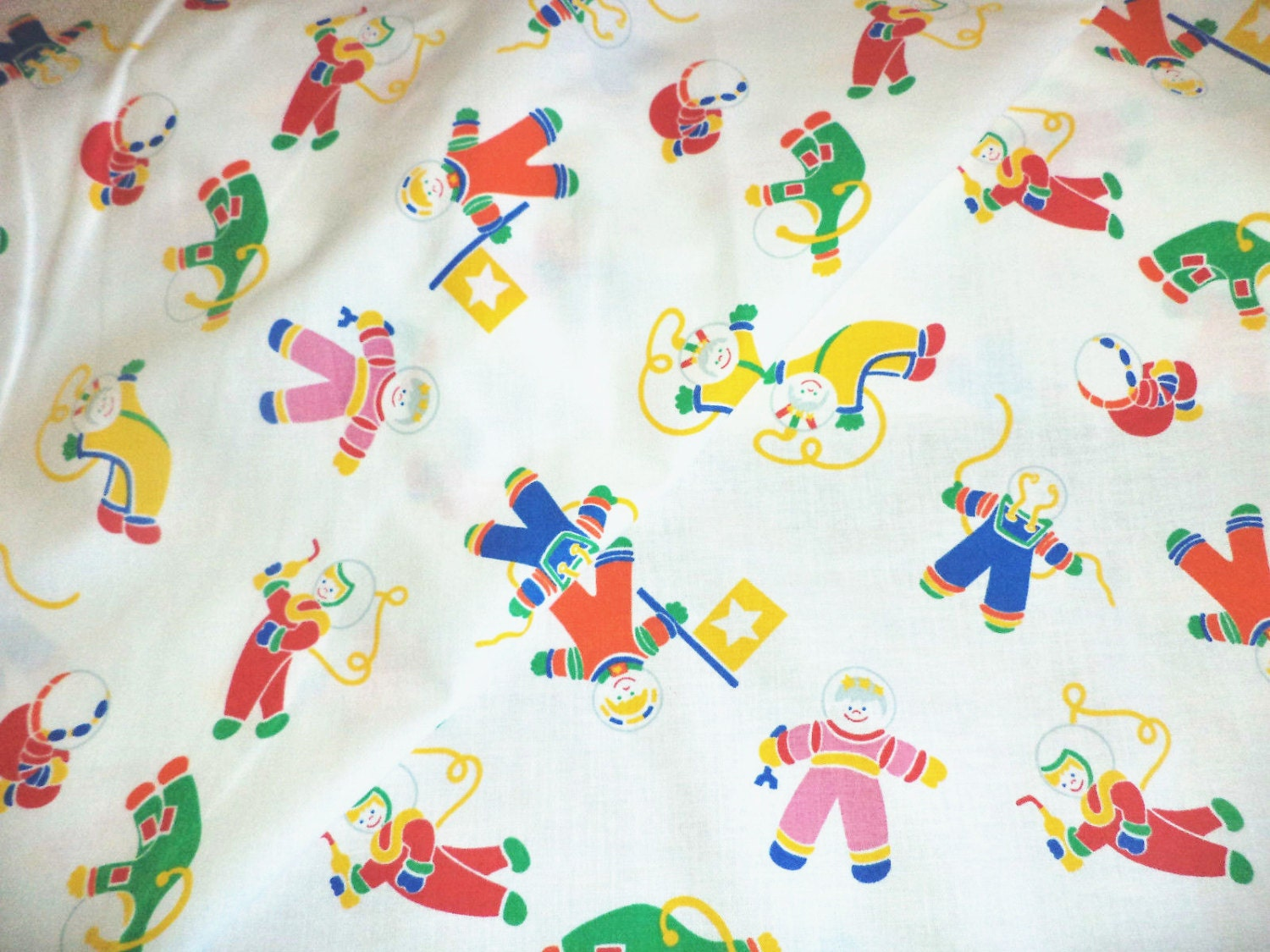 Vintage cotton children fabric bright astronauts 80 39 s by for Vintage childrens fabric by the yard