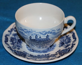 Royal Homes of Britain Teacup & Saucer -- Set of 2