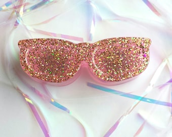 Pink and Gold Glitter Resin Sunglasses Magnet