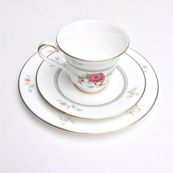 Vintage Royal Doulton Teacup, Teacup Trio, Kismet Discontinued Pattern # H5054, English Bone China Tea Cup, Antique Teacup
