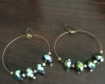 Metallic green hoop earearrings