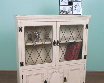 Cream glass display cabinet bookshelf with leaded glass doors
