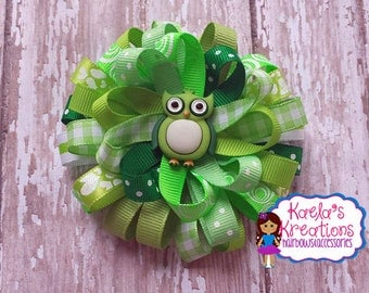 Owl Hair Bows, Green Owl Hair Bows. Owl Birthday, Loopy Hair Bows, Greens Loopy Hair Bow with Owl Center.