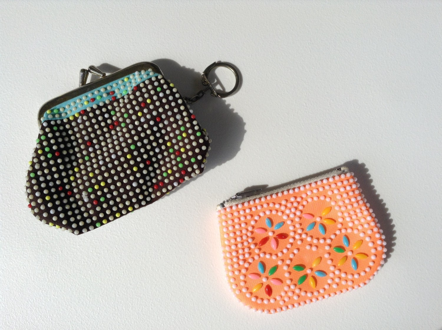 2 small beaded vintage 60s 70s coin purses