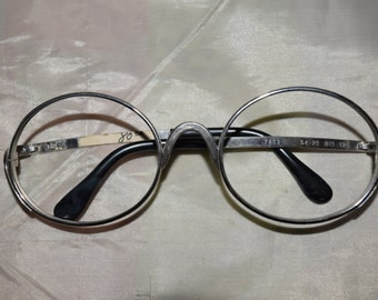 Tura Women's Vintage Round Glasses