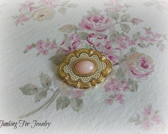 Avon Goldtone Pin Brooch Pink Stone Pearls