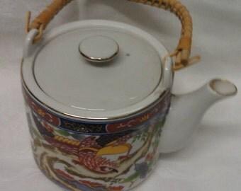 Imari Ware Japan Tea Pot