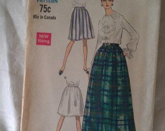 Vogue Pattern No. 7259 Size Waist 25 1/2 Hip 36